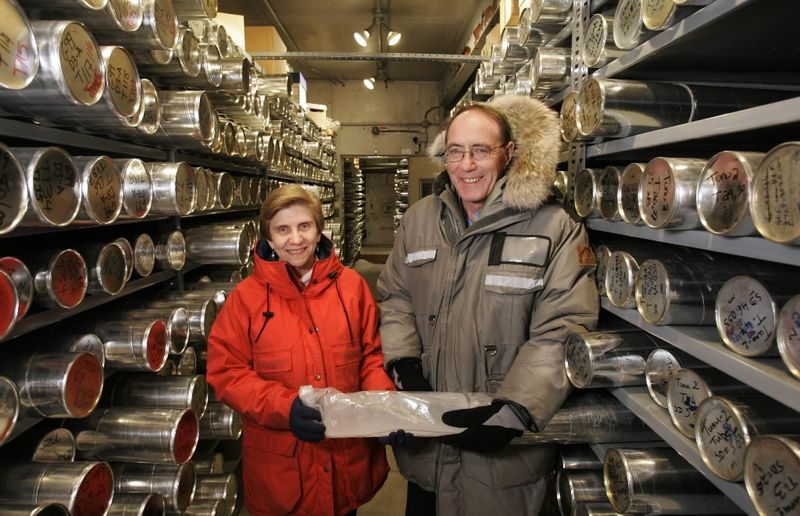 LONNIE_THOMPSON_AND_ELLEN_MOSLEY-THOMPSON_INSIDE_OSU_S_COLD_ROOM