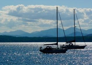 Lake_view_mts_and_boats