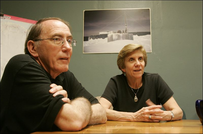 Lonnie Thompson and Ellen Mosley Thompson, Zap photo