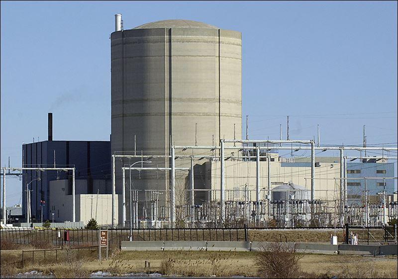 Davis-Besse reactor bldg. BLADE photo